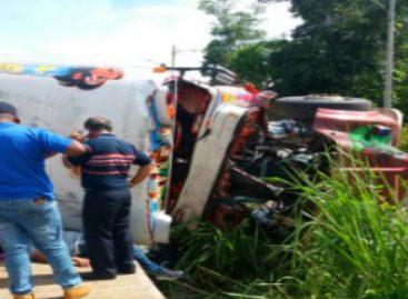 Al menos 15 heridos tras vuelco de un bus en La Chorrera