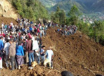 Subieron a 12 los muertos por deslizamiento de tierra en Guatemala