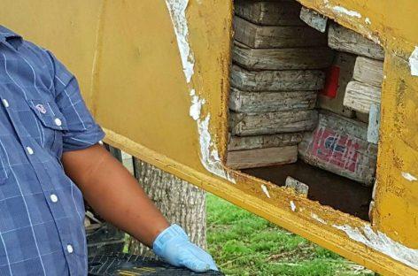 Darién: Detienen a dos por ocultar 420 paquetes de cocaína en pala mecánica