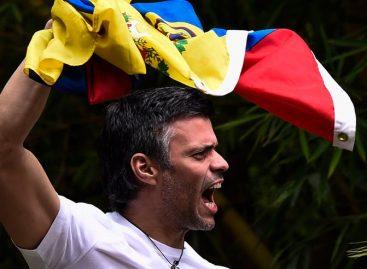Policía política de Venezuela saca de sus casas a presos políticos López y Ledezma