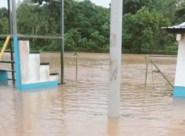 Fuertes lluvias provocan inundaciones y deslizamientos en Costa Arriba de Colón