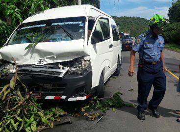 Colisión en carretera de Coclé dejó 14 lesionados