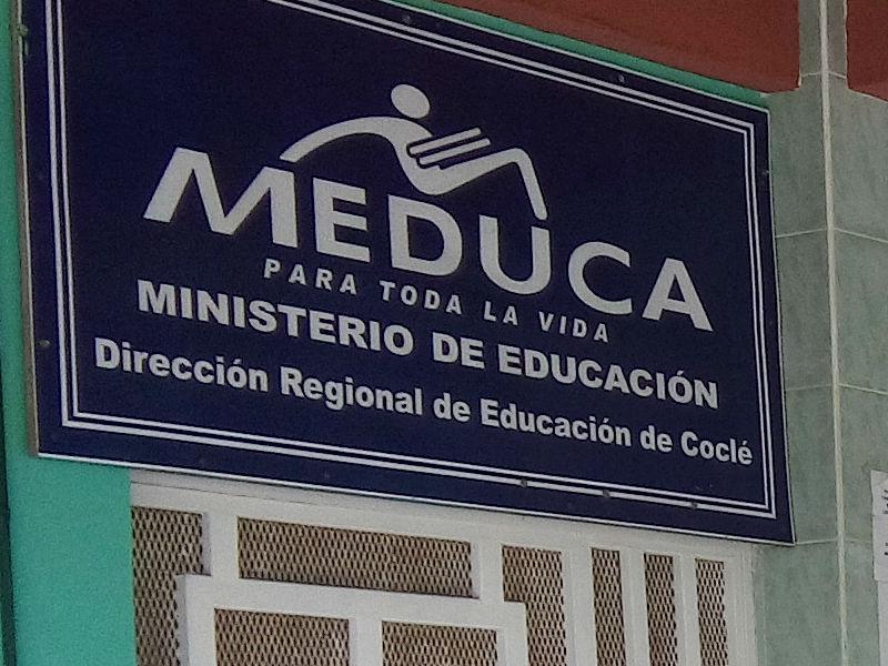 Meduca suspende clases en varios puntos de panam oeste for Ministerio de educacion plazas