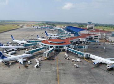 Por migración de aves suspendieron operaciones en dos aeropuertos del país