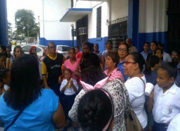 Exigen al Meduca solucionar el problema de la Escuela República de Venezuela