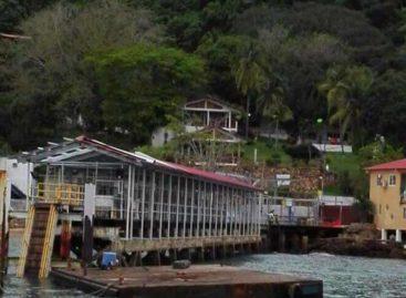 Muelle de Taboga fuera de servicio tras ser afectado por el fuerte oleaje