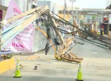 Losa cae sobre tendido eléctrico y se quedan sin luz negocios en Los Pueblos