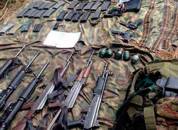 Decomisan un alijo de armas de guerra en Costa Abajo de Colón