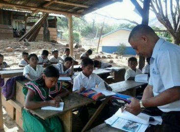 Declaran huelga de educadores en nueve regiones del país