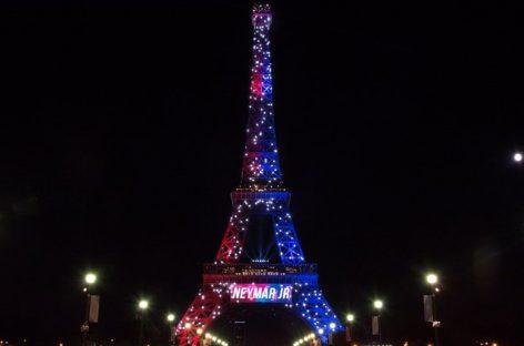 Detuvieron a hombre armado que gritaba consignas terroristas en la Torre Eiffel