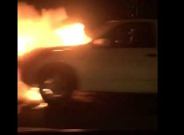 Vehículo se incendió en tramo marino del Corredor Sur