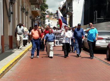 Transportistas marcharon hasta sede de la Presidencia