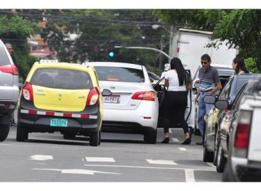 Transportistas evalúan demandar decreto que regula plataformas como Uber
