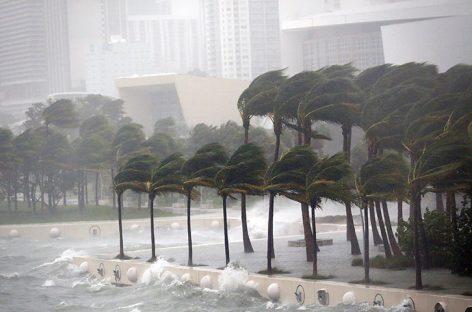 Huracán María tocó tierra en sureste de Puerto Rico