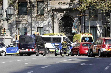 Terroristas de Cataluña que fueron a París pasaron por la torre Eiffel