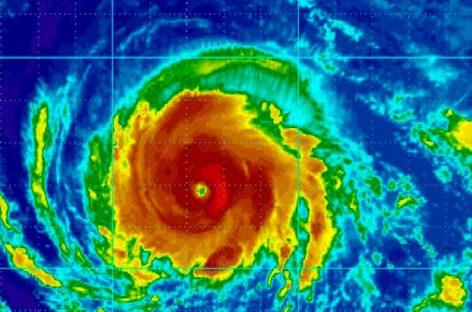Vientos del huracán Irma aumentaron a categoría tres
