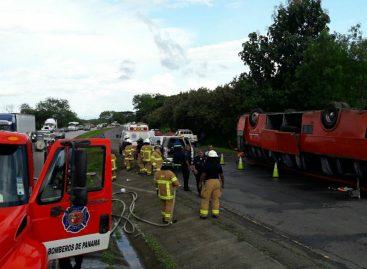 Vuelco de un autobús en Coclé dejó varios heridos