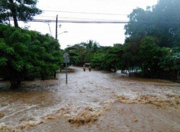 Tormenta tropical Nate dejó dos muertos y cinco mil evacuados en Costa Rica