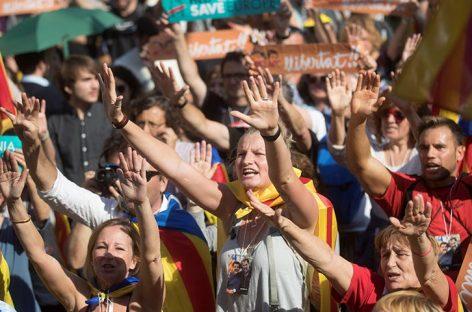 Parlamento catalán declaró la independencia de la región