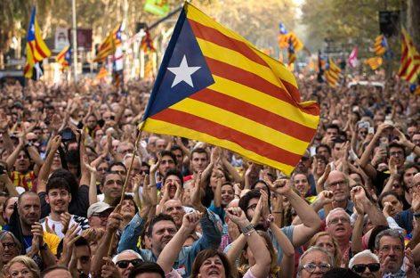 China sigue la crisis catalana y reitera su apoyo al Gobierno español