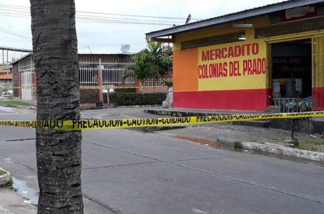 De dos tiros en la cabeza mataron a un hombre en minisúper de Don Bosco
