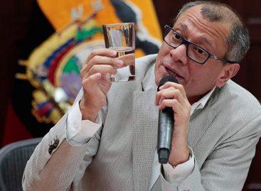 """Vicepresidente de Ecuador acató """"bajo protesta"""" orden de prisión en su contra"""