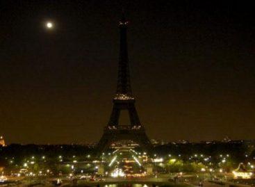 Torre Eiffel se apagará este lunes por las víctimas de Marsella y Las Vegas