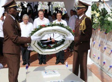 Rindieron honores a próceres panameños por el Día de los Difuntos