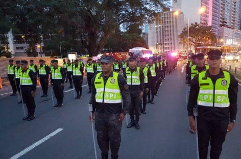 Con el desfile de antorchas, iniciaron las fiestas patrias (Fotos)