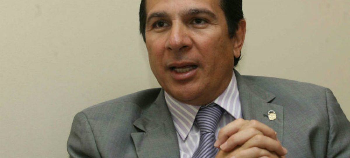 «Popi» Varela gestionó bus para fundación de su esposa