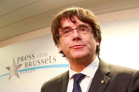 Puigdemont da prioridad a diálogo pero no renuncia a independencia unilateral