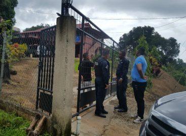 Ocho delincuentes amordazaron y robaron a familia dentro de su vivienda en Colón