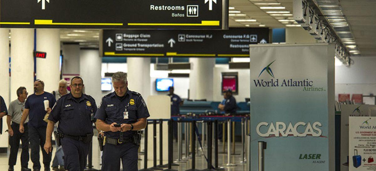 Detienen a hombre que accedió a la pista del aeropuerto de Miami