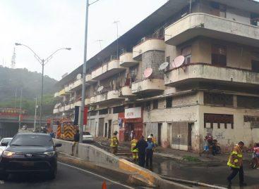 Dos afectados tras incendio en apartamento de la Avenida Nacional