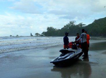 Continúa búsqueda de joven desaparecido en Playa La Angosta de Colón