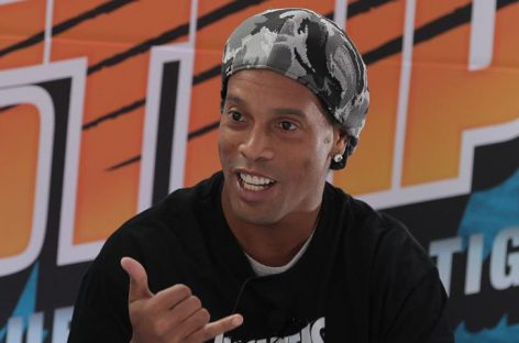 Prensa insiste que Ronaldinho será candidato a senador en Brasil