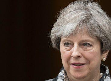 Comparecen 2 acusados ante un tribunal por un complot para asesinar a Theresa May