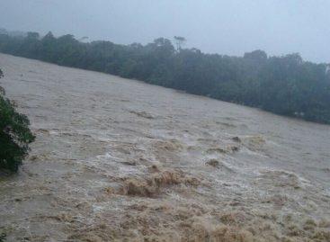 Lluvias dejaron a docentes incomunicados y sin alimento en áreas de difícil acceso