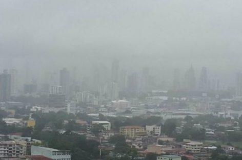 Cayó granizo este jueves en la ciudad de Panamá (Video)