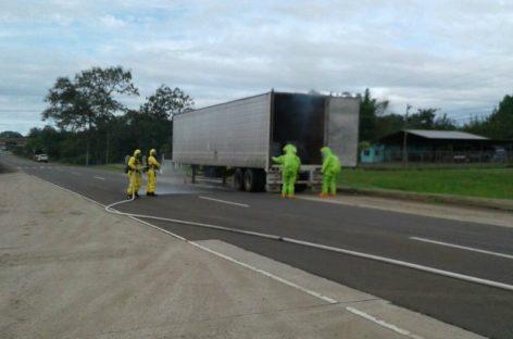 Cerraron carriles de la vía Interamericana por fuga de químicos en Veraguas