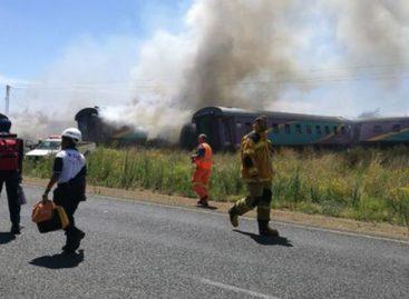Cuatro muertos y 100 heridos tras accidente de tren en Sudáfrica