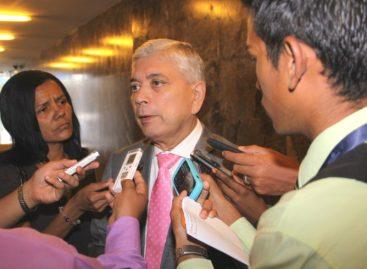 Exdiputado Marcos González fue retenido en Miami