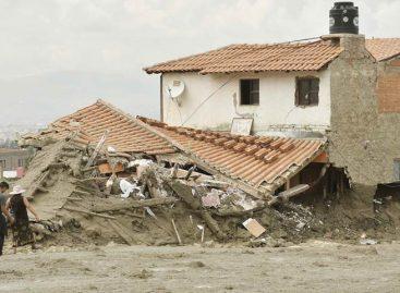 Al menos cuatro personas murieron tras riada con lodo en el centro de Bolivia