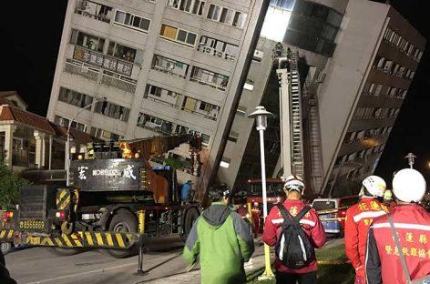 Taiwán investigará construcción de edificio hundido por sismo