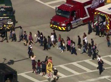 Al menos 17 muertos en tiroteo en escuela en el sur de Florida
