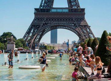 París recibió récord de turistas en 2017 y dio por superada la crisis