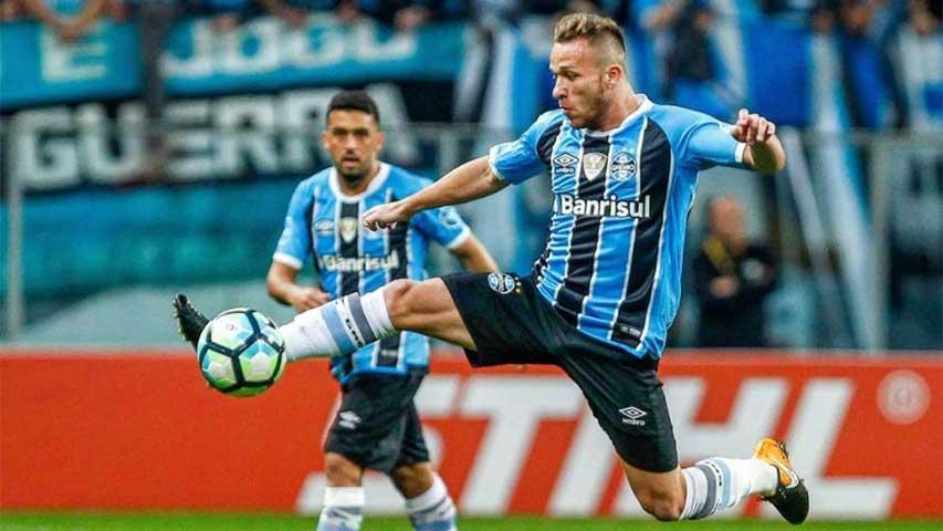 Barça anunció opción para fichar a Arthur en julio de 2018 90f2a12362850
