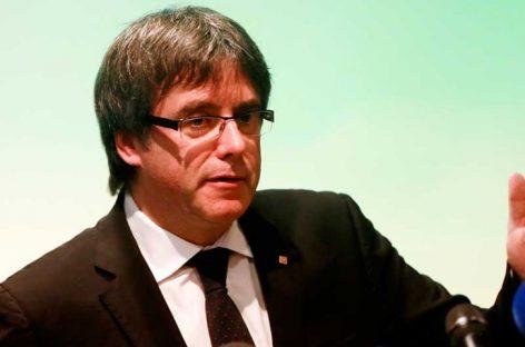 Puigdemont retiró su candidatura para presidir Cataluña