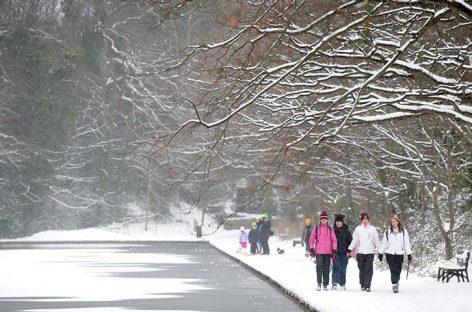 Temporal de nieve paralizó toda la isla de Irlanda