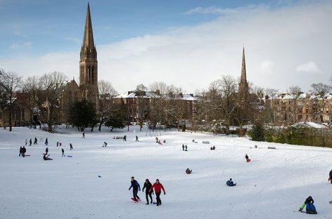 Temporal de nieve causa graves retrasos en el Reino Unido e Irlanda